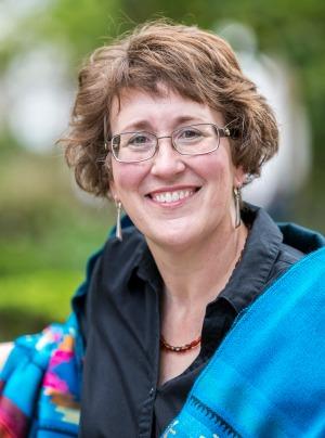 Meet 2014 Who's Who Lynne Klippel, President – Business Building Books