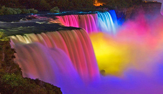 Niagara Falls catches the attention of millions of tourists every year