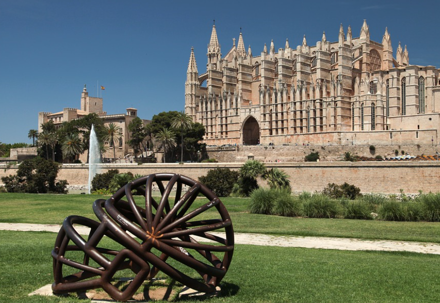 """A Quick Guide To Mallorca - Palma Cathedral"""