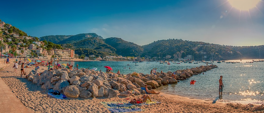 """A Quick Guide To Mallorca - Port de Soller"""