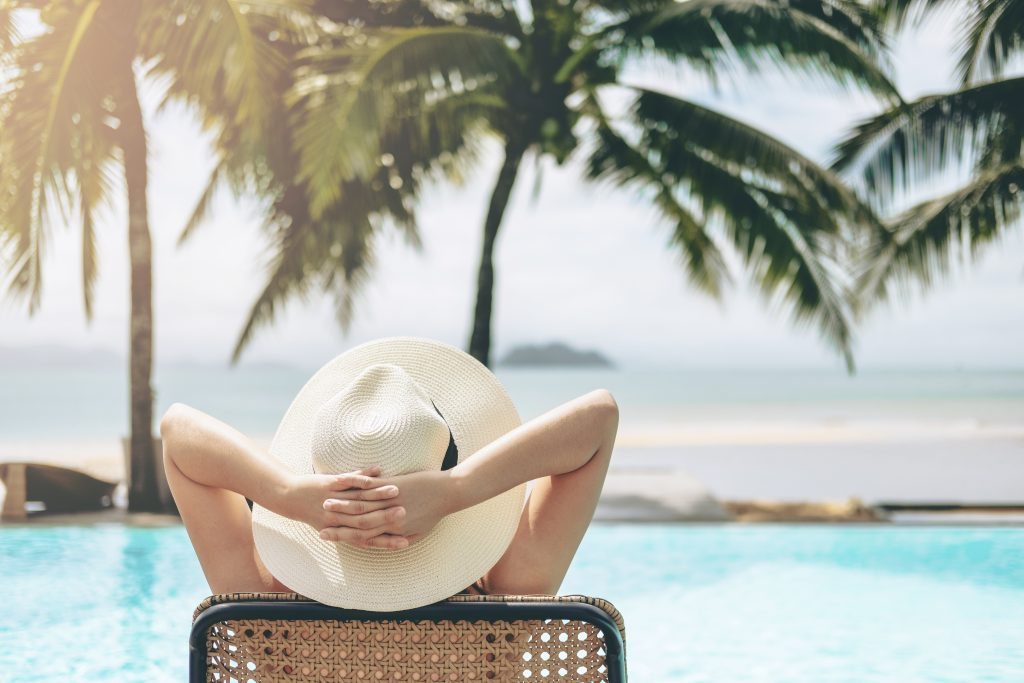 """""""Women Travelers- Use This Guide When Traveling Solo to Miami!"""""""