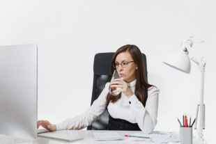 The Importance Of Staying Hydrated While You Work