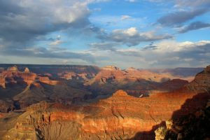 High & Mighty: VIP Grand Canyon Helicopter Picnic Tour
