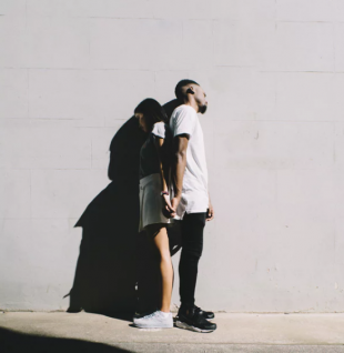 Why It's So Easy To Lose Yourself In A Relationship