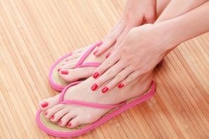 """Protect Your Feet with These Flip Flop Tips"""