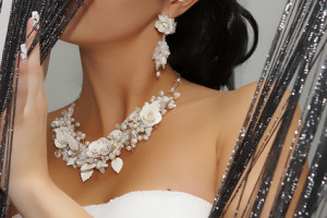 """Wedding Day Jewelry: Do's and Don'ts"""