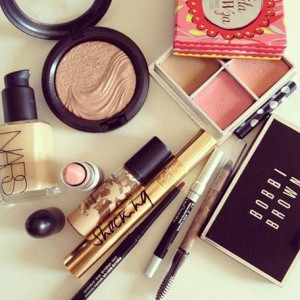 """Top 7 Makeup Must Haves for College Girls"""